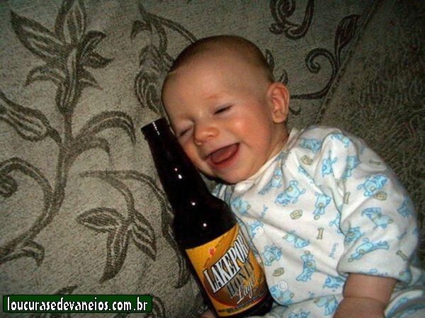 http://loucurasedevaneios.com.br/wp-content/uploads/2011/04/bebe-cacha%C3%A7a.jpg